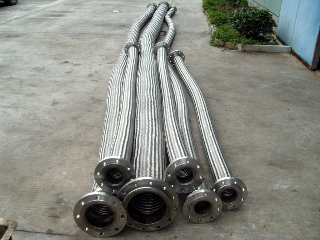 金属软管生产现场